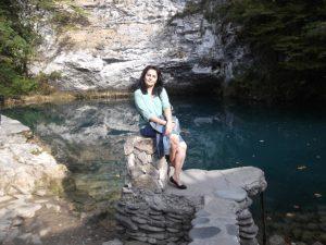 У голубого озера